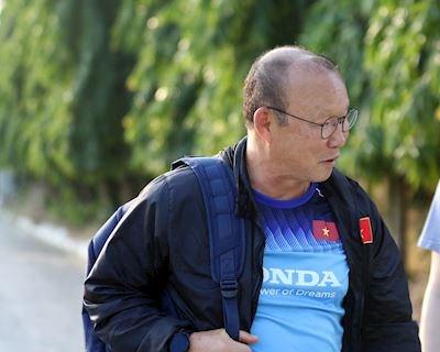Bóng đá Việt Nam ngày 18/11: Thầy Park loại 2 cầu thủ, chốt danh sách đấu Thái Lan