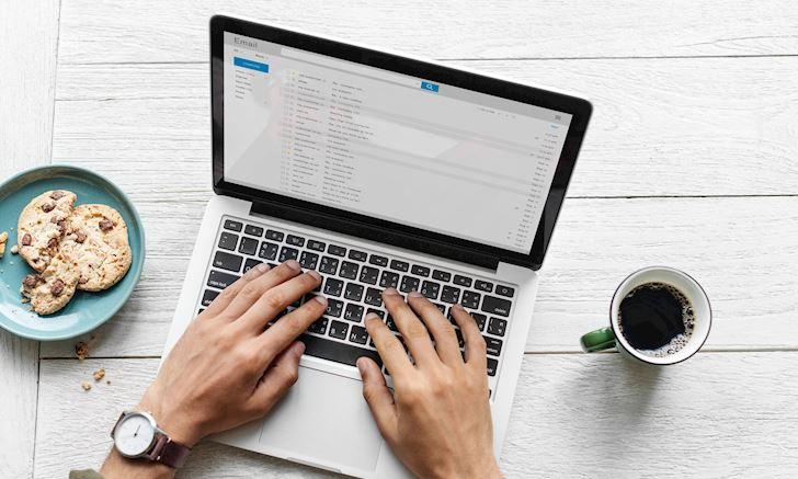 Đàn ông hiện đại thể hiện bản thân qua cách viết email - 10 điều CẦN lưu ý