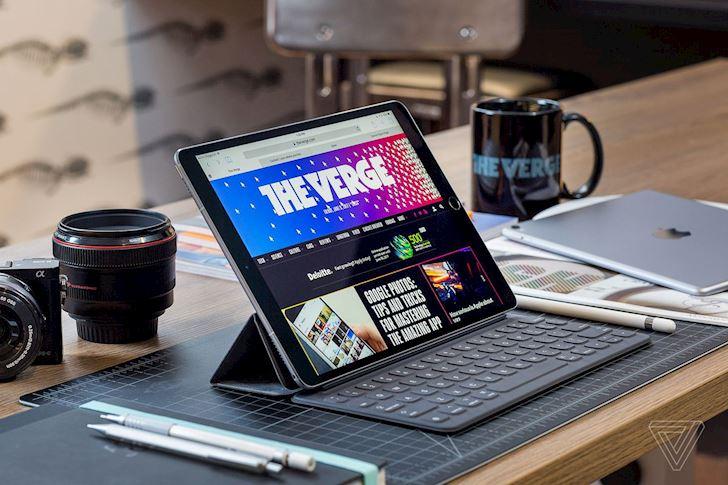 Apple lieu co dang bien iPad Pro tro thanh mot chiec laptop lai canh tranh voi Surface Pro2