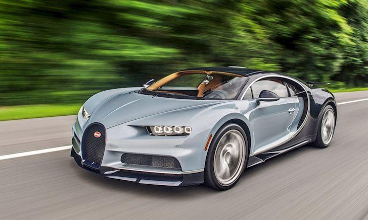 Chủ xe tự đạp lút ga siêu xe Bugatti Chiron tới tốc độ 420 km/h