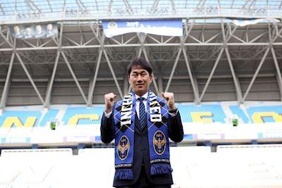 HLV Incheon United hứa giảm gánh nặng cho Công Phượng cùng đồng đội