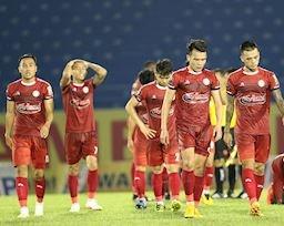 CLB TP.HCM để vàng rơi trên sân Thanh Hóa