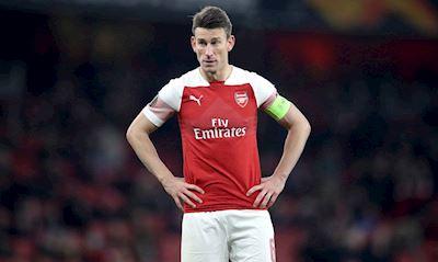 NÓNG: Đội trưởng Koscielny nổi loạn, nội bộ Arsenal nháo nhào