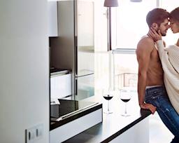 Khảo sát: Vị trí nào hấp dẫn phụ nữ nhất trên cơ thể đàn ông?