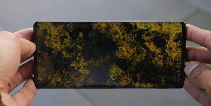 tren-tay-thuc-te-vivo-nex-3-smartphone-tran-vien-100-dau-tien-1
