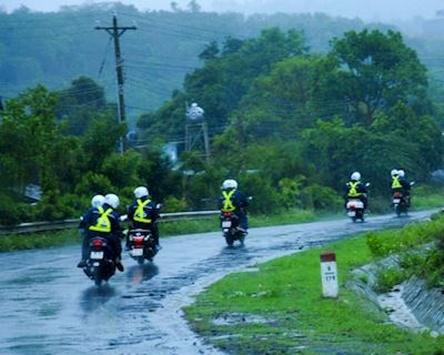 Những cách xử lý an toàn khi chạy xe gặp gió lớn