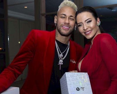 Neymar cắm sừng đồng đội, cặp kè nữ hoàng nội y?