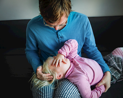 5 thiệt thòi của con gái khi không có sự quan tâm, dạy dỗ của bố