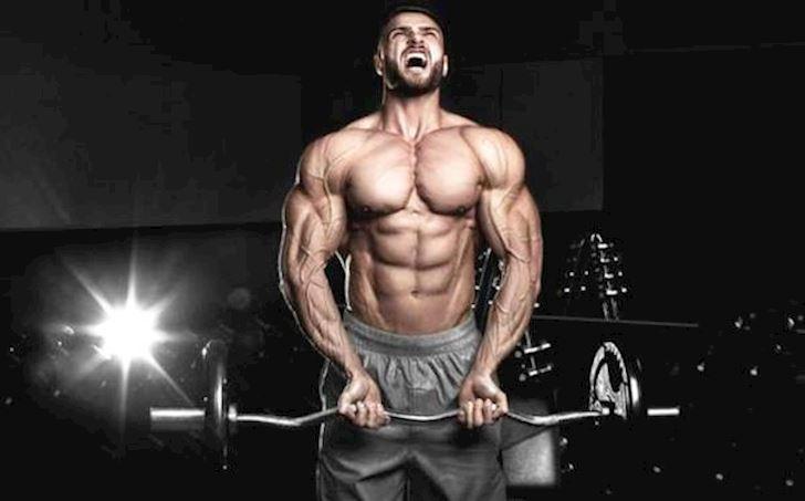 Lam sao de duy tri co bap khi phai ngung tap gym trong khoang thoi gian dai?