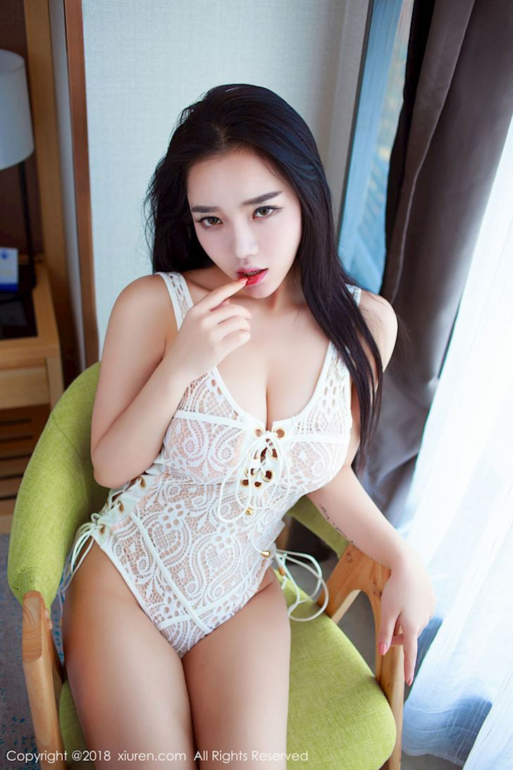 xiaai-hot-girl-da-tinh-noi-tieng-chi-sau-mot-dem-tung-anh-goi-cam