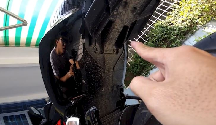 Thủ thuật rửa xe máy đúng cách tại nhà không phải ai cũng biết