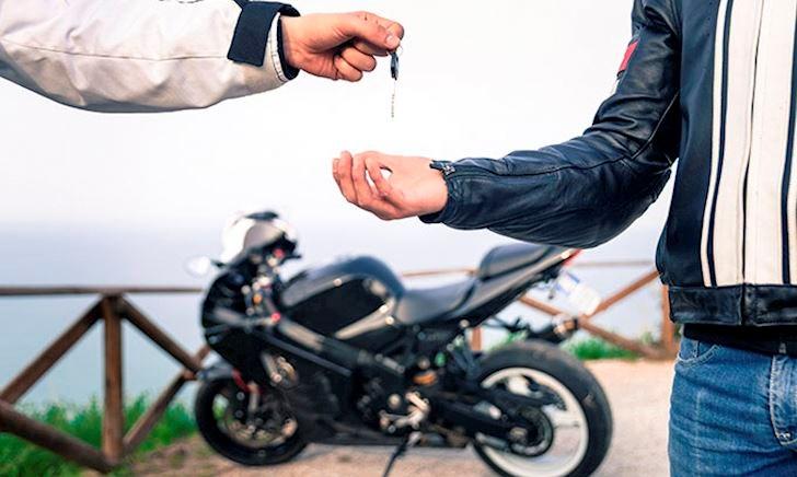 Những nguyên tắc khi mượn xe mô tô, anh em bắt buộc phải nhớ