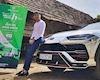 """Minh nhựa """"cưỡi"""" Lamborghini Urus vượt 800 km đi từ thiện"""