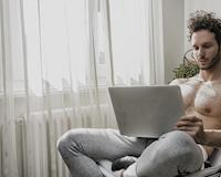 5 việc đàn ông độc thân nên làm vào buổi tối để nhanh có người yêu