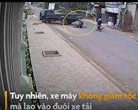 Xe máy không làm chủ tốc độ, tông thẳng vào đuôi xe tải – Đằng sau vô lăng #14