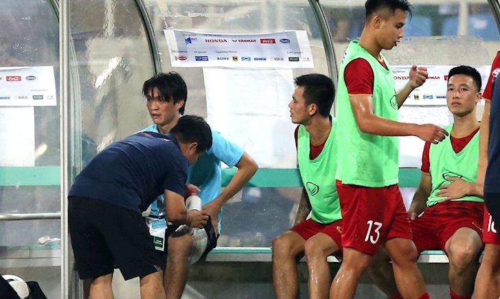 Tuấn Anh bị chấn thương ra sao ở trận Việt Nam thắng Malaysia?