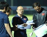 Video clip: HLV Park Hang-seo chỉ đạo trận U22 Việt Nam vs U22 UAE từ Indonesia