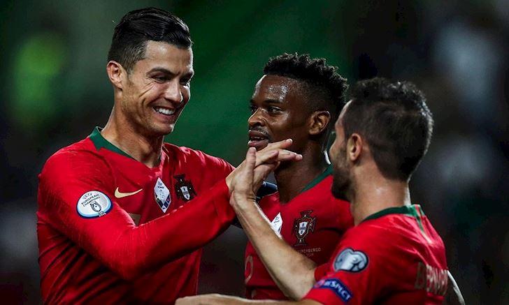 Bong-da-quoc-te-ngay-12-10-Ronaldo-can-moc-khung;-MU-mat-tai-tro-bac-ty-anh-3