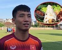 Video clip - Bùi Tiến Dũng: 'Đồ ăn Indonesia khó ăn vì gạo quá khô'