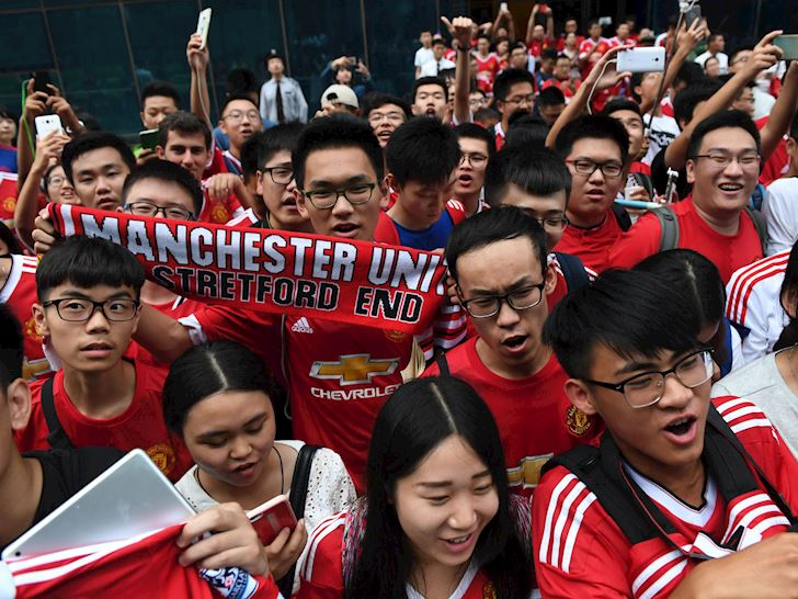 Loat-dai-gia-san-sang-giai-cuu-con-tau-dam-Manchester-United-anh-2