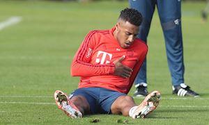 SỐC: Sao Bayern bất ngờ lên cơn đau tim giữa sân tập