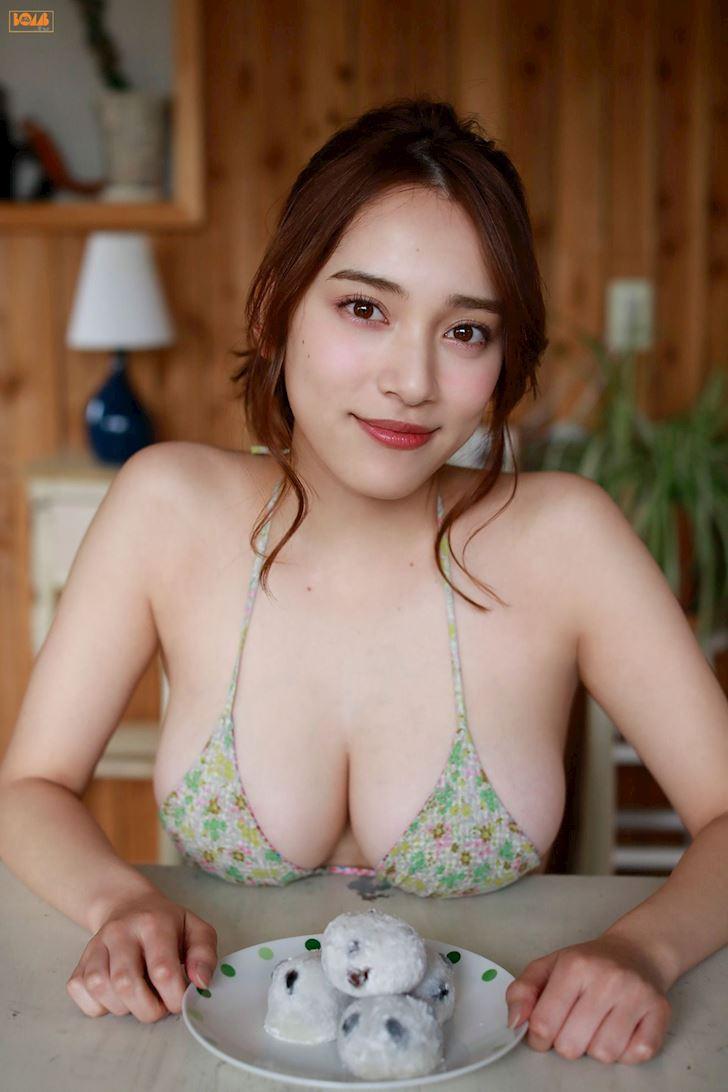sayaka-tomaru-nu-than-vong-mot-jbiz-bi-ga-gam-thuong-xuyen-anh-1