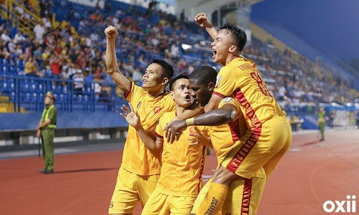 Siêu phẩm volley giúp Thanh Hóa trụ hạng V.League