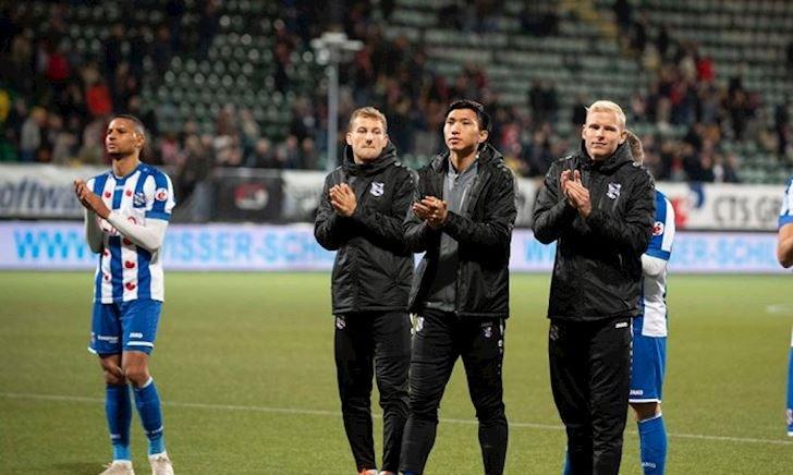 Đoàn Văn Hậu ở SC Heerenveen: Ra sân hả, chờ đi!