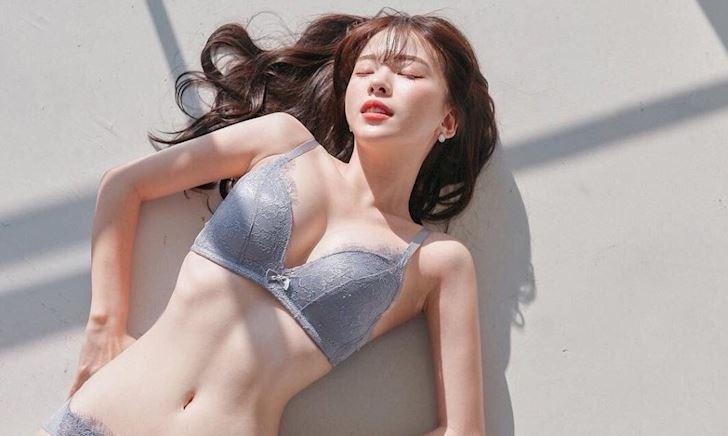 Lee Ha Neul - Chuẩn body 9-6-9, đúng gu người viết bài