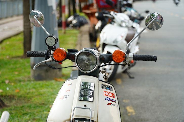 Honda Cub huyen thoai an danh trong long nguoi Viet Moi tuan 1 xe 1 3