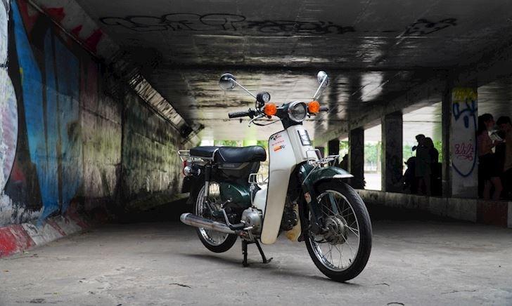 Honda Cub, cho tôi một vé đi về tuổi thơ - 1 tuần 1 xe #2