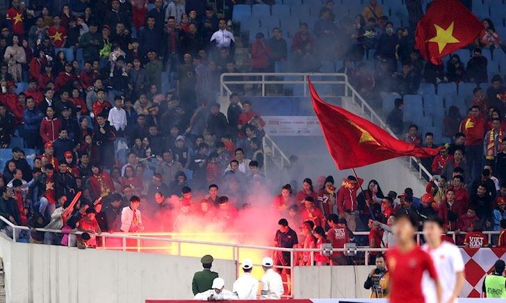 VFF quyết 'chơi lớn' với pháo sáng ở trận Việt Nam vs Malaysia