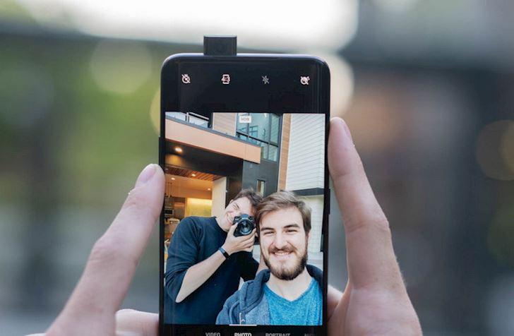 Top nhung chiec dien thoai chup anh selfie dep nhat 2019 7