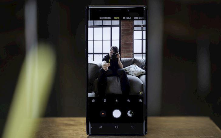 Top nhung chiec dien thoai chup anh selfie dep nhat 2019 8
