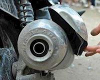 Ốp nhựa, ốp Inox trang trí: gắn phí tiền còn hại người khác – Cưng xe #26