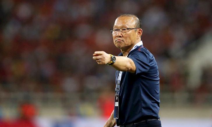Nhận lương triệu đô, HLV Park Hang-seo hãy chứng tỏ đi nào
