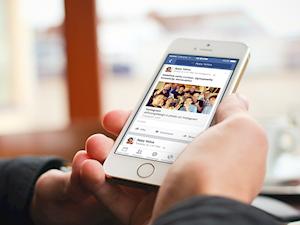 Ứng dụng Facebook trên iOS