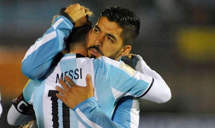 50 quả tên lửa phát nổ, đe dọa cuộc thư hùng Messi vs Suarez