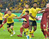 Thái Lan thua sốc Malaysia, dâng ngôi đầu bảng cho Việt Nam