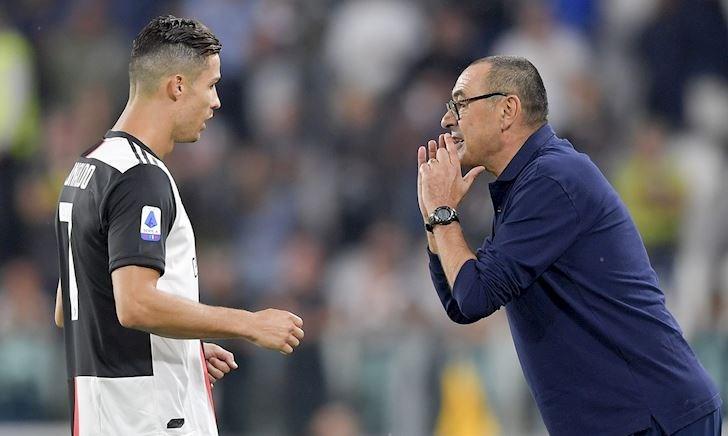 HLV Sarri dối trá về chấn thương của Ronaldo