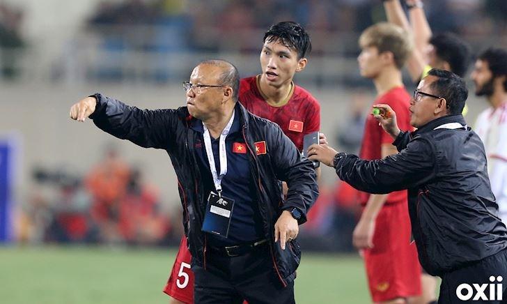 Video clip: Thầy Park nói gì sau khi hạ đẹp HLV World Cup?