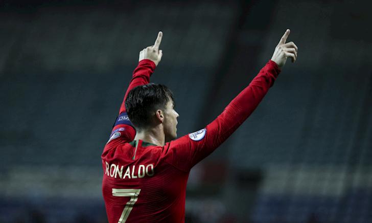 Video: Hat-trick với Ronaldo là bình thường, poker cũng bình thường luôn