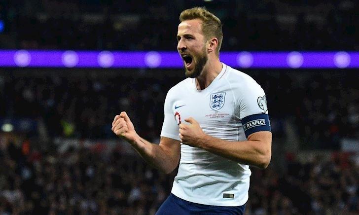 Kane lập 2 kỷ lục siêu hạng sau cú hat-trick để đời