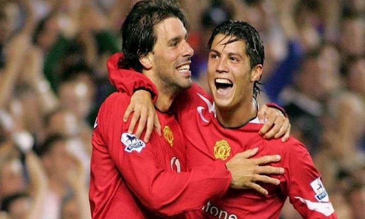 TIẾT LỘ: Van Nistelrooy rời MU vì làm Ronaldo khóc