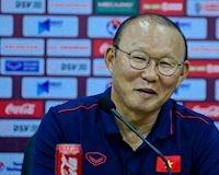 Thầy Park thể hiện đẳng cấp, 'cà khịa' cực mạnh phóng viên Thái Lan