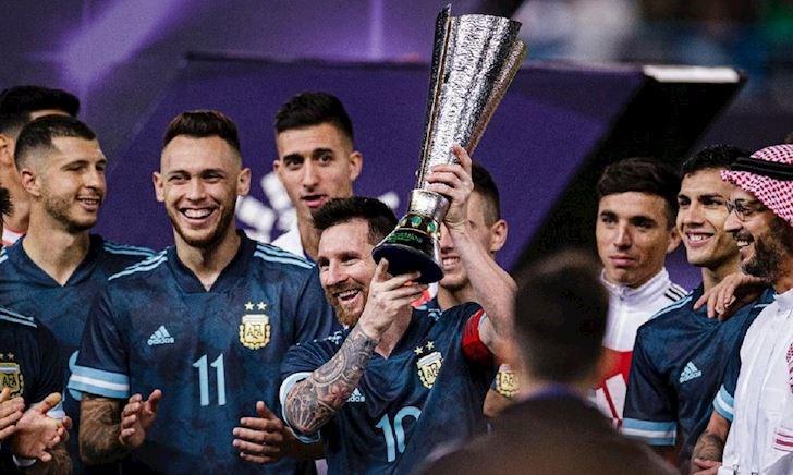 Lịch thi đấu bóng đá hôm nay 18/11: Ronaldo gọi, Messi trả lời