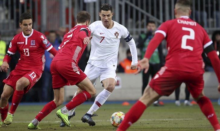 Kết quả vòng loại EURO 2020: Ronaldo rực sáng, Bồ Đào Nha giành vé đi tiếp