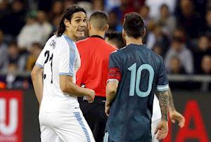 Messi và Cavani cạ kèo đấm nhau ngay trên sân