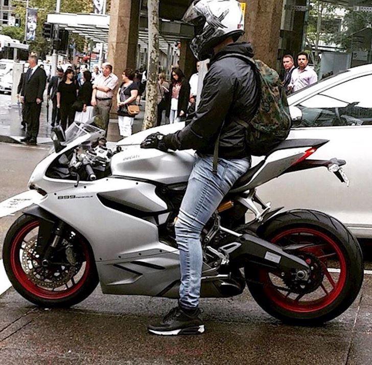 xe lon dang quay dau chen ngang hay doi better biker 18 2