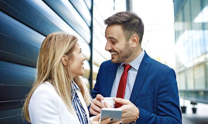 Đàn ông hiện đại giao tiếp nơi công sở như thế nào để không bị chê vô duyên